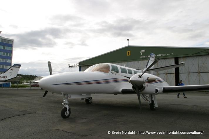 1-350_SVEIN_Flytur_310504