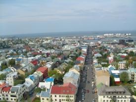 11-132_Utsikt_over_Reykjavik_fra_Halgrimskirka_280504