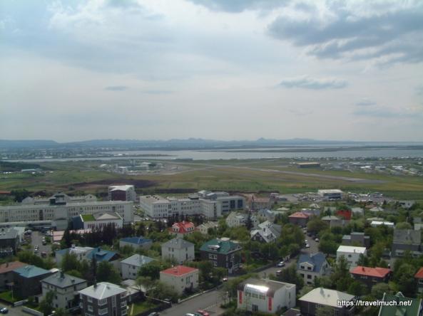12-133_Utsikt_over_Reykjavik_fra_Halgrimskirka_280504