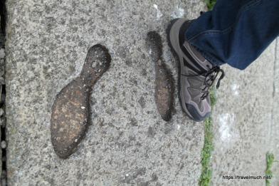 Nerd-feet vs. King-feet