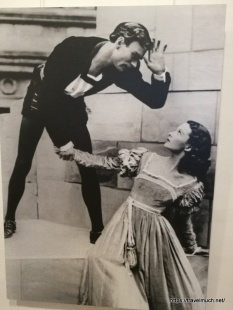 Hamlet 1937: Laurence Olivier and Vivien Leigh as Ophelia