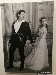 Hamlet 1954 Richard Burton and Claire Bloom as Ophelia